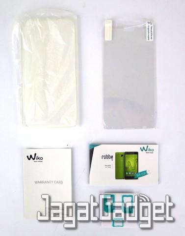 kelengkapan paket: soft case, aanti gores, warranty card, manual guide