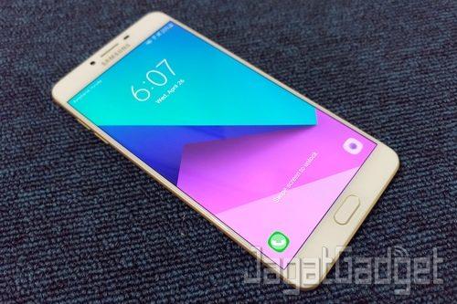 Samsung Galaxy C9 Pro - 02