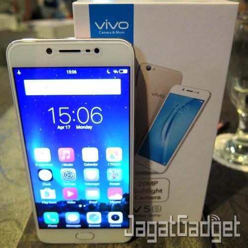 Vivo V5s - 01