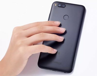 Mi-A1-hand