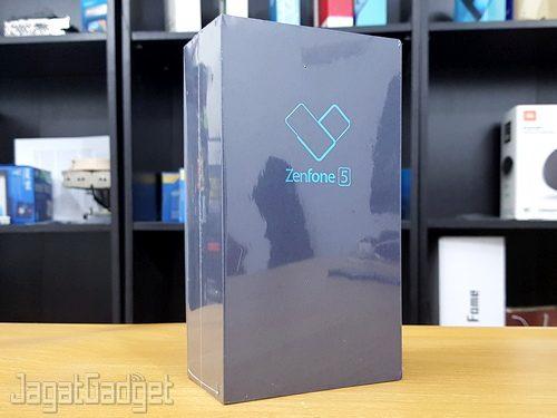 Dari Keluarga ZenFone 4 Kali Ini Kami Akan Memberikan Ulasan Yang Lebih Lengkap Terkait Smartphone Baru Itu Dalam Artikel Review