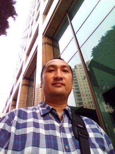 GR3-outdoor-selfie