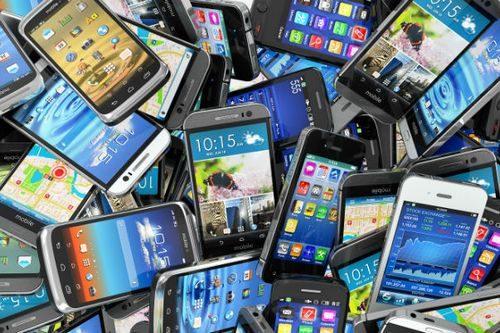 mobile-phones-pile