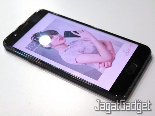 oppo-f1s-raisa-phone-4