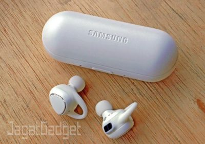 review-samsung-gear-iconx-3