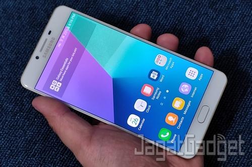 Samsung Galaxy C9 Pro 23