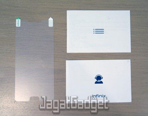 kelengkapan box penjualan berupa anti gores, user manual dan garansi