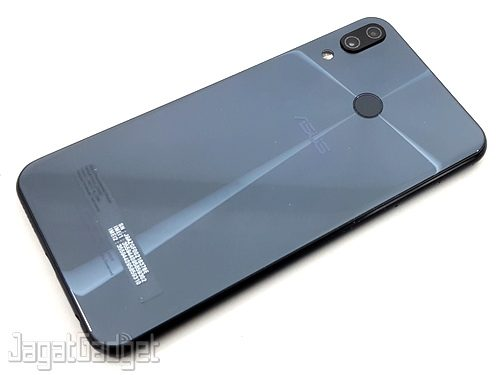 ASUS ZenFone 5Z 01
