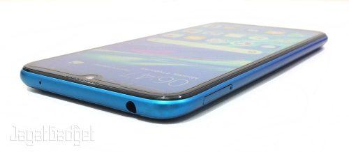3. Huawei Y7 Pro