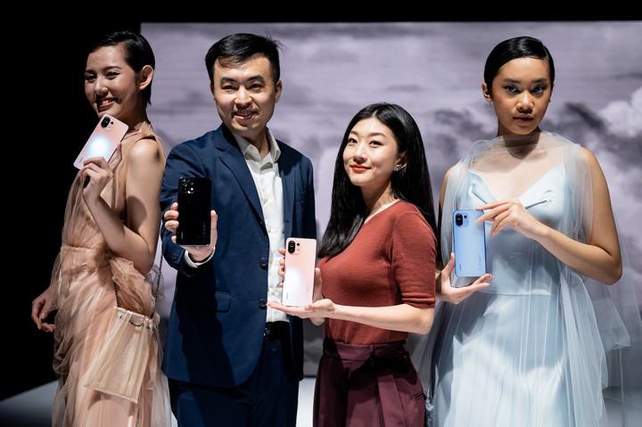 Xiaomi Launching Mi 11 Lite. Mi 11 Ultra dan Mi Band 6