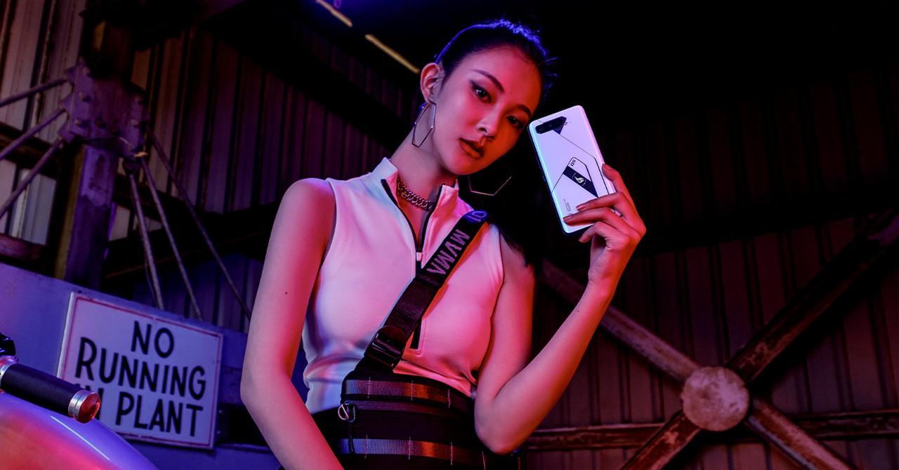 Harga dan Spesifikasi ROG Phone 5 Ultimate